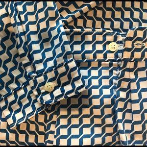 Geometric long sleeve top.
